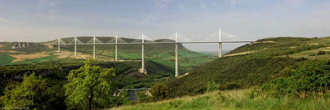 Photo panoraramique du viaduc de millau